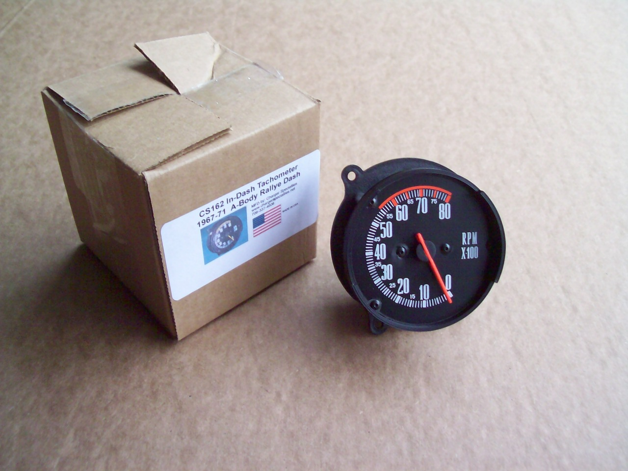 67-71 A BODY DASH TACHOMETER, FOR CARS WITH 150 MPH SPEEDOMETER